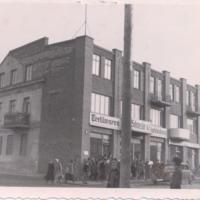 4_Warszawska25_1939-45_dom_Ropelewskich_zb.PBP.jpg